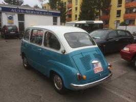 Autoservice Fiat Multipla von der Seite Muenchen